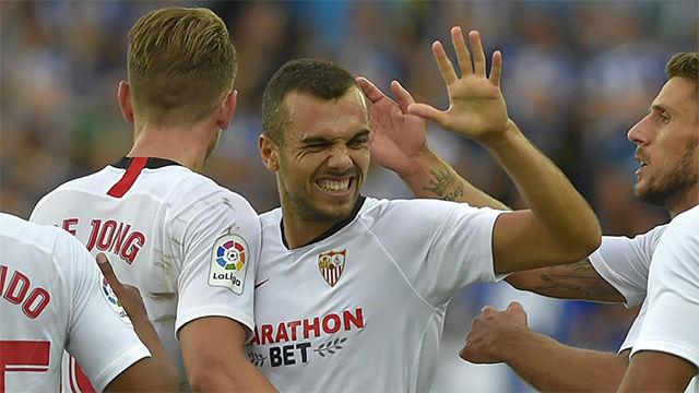 El Sevilla gana al Alavés y se afianza en el liderato