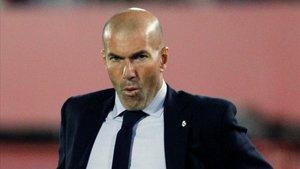 Zinedine Zidane no sabe lo que hacer con este Real Madrid