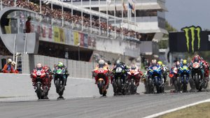 El momento de la salida del GP de Catalunya de MotoGP