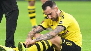 Alcácer cayó lesionado ante el Paderborn