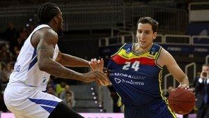 El Andorra se asegura la continuidad de su capitán