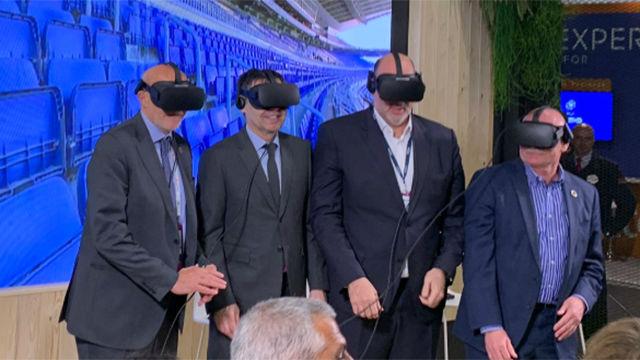 Bartomeu probó la realidad virtual en el MWC