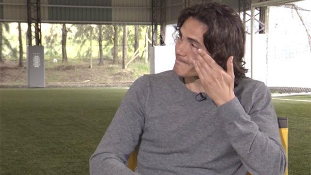 Cavani se mostró visiblemente emocionado durante la entrevista