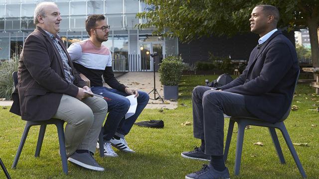 Kluivert habla sobre la salida de Xavi Simons al PSG