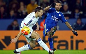 El Leicester, nuevo líder, deja al Chelsea al borde del descenso