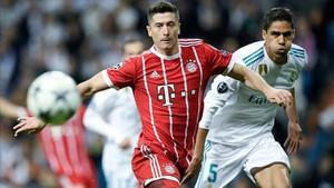 Lewandowski pelea con Varane