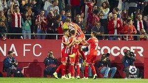 Los jugadores del Girona celebrando uno de los tantos del 3-1 de la primera vuelta