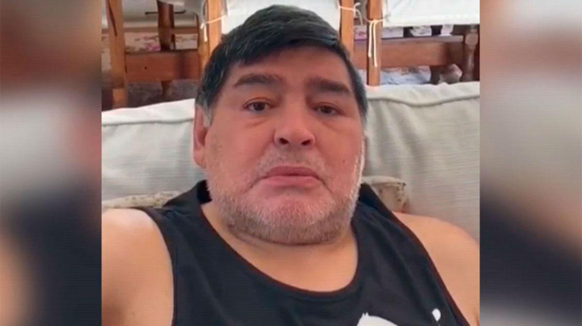 Maradona, al borde del llanto: Ayuden a comer a la gente