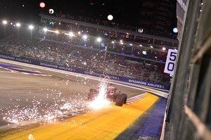 El piloto de Red Bull Max Verstappen en acción durante la sesión de clasificación para el Gran Premio de Fórmula 1 de Singapur en el Circuito Urbano de Marina Bay en Singapur.