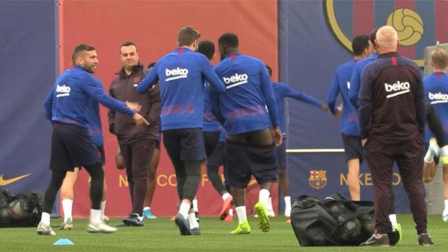 ¿De qué estarían hablando Piqué y Umtiti para que el francés acabara con los pantalones bajados?