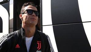 Ronaldo subiendo al autocar de la Juventus