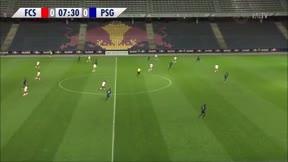 Así juega Gideon Mensah, el lateral del Salzburgo que interesa al Barça