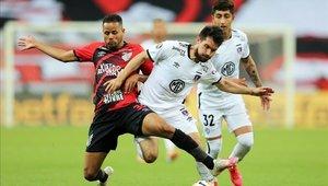 Athletico Paranaense derrotó a Colo Colo y se mantiene en lo más alto del grupo C