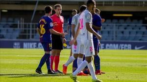 El cántabro Cordero Vega tuvo una polémica actuación el domingo en el Mini Estadi