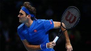 Federer se mantiene con vida en las Finales ATP