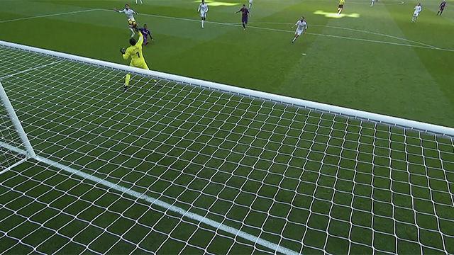 LALIGA | Real Madrid - FC Barcelona (0-3): Paradón de Navas a Paulinho