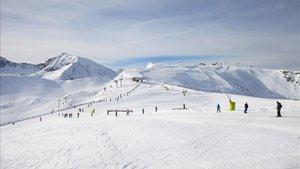 Las estaciones andorranas invierten 16 millones en la nieve