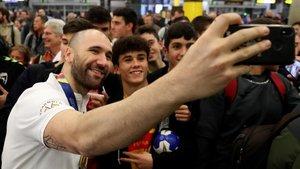 Los seguidores también buscaron selfies con los jugadores