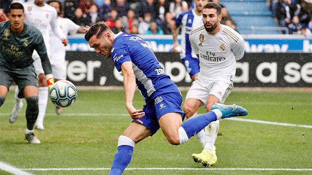 Lucas Pérez dio alas al Alavés desde el punto de penalti