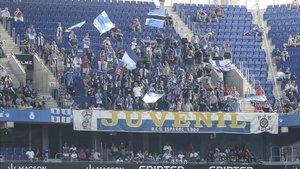 Miembros de La Juvenil en el partido frente al Levante