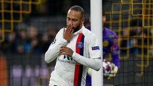 Neymar marcó el único gol del PSG en Dortmund