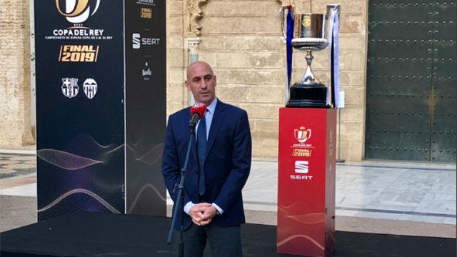 Rubiales da la acogida en Sevilla a Barcelona y Valencia