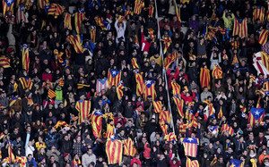 La UEFA ha vuelto a multar al Barça por las esteladas