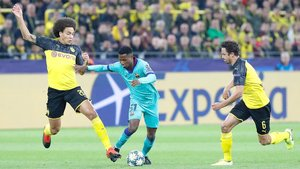 Axel Witsel y Ansu Fati en el Borussia Dortmund - Barça de la Champions 2019/20
