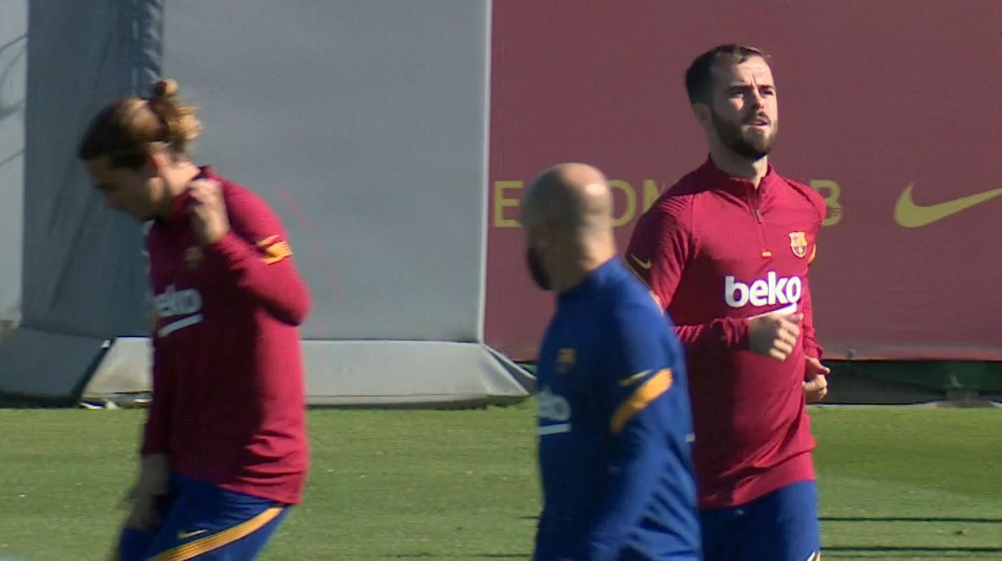 El Barça entrena antes de jugar ante el Alavés