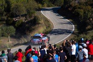 Dani Sordo, en acción con su Hyundai