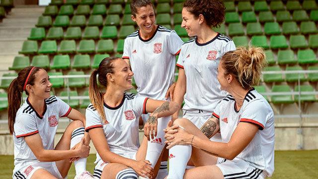 España estrenará la segunda camiseta para el Mundial femenino