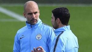 Guardiola dirigió el entrenamiento del Manchester City