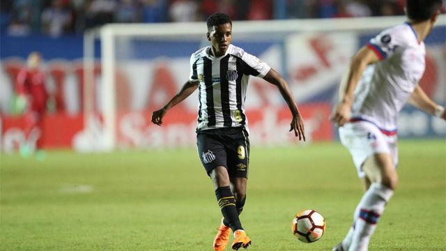 El primer gol de Rodrygo en el estadio del Santos
