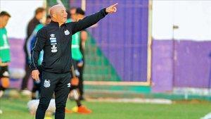 Sampaoli dirigiendo al Santos