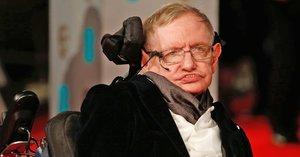 Stephen Hawking habló sobre la ciencia de los penales