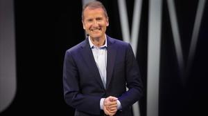 El presidente de la marca Volkswagen, Herbert Diess, en el Salón de Detroit.