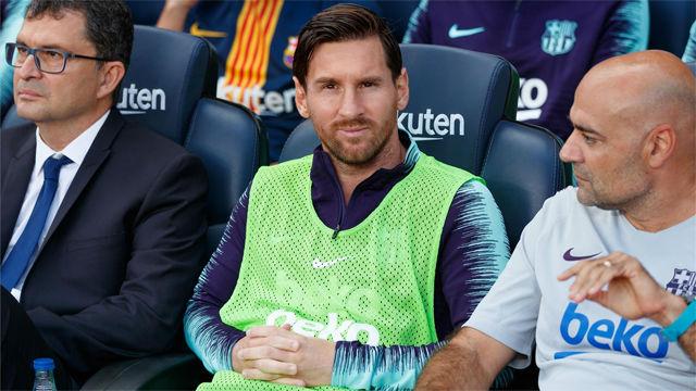 Así vivió Messi el partido desde el banquillo