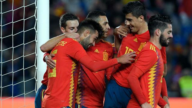 Brais dio la victoria a la Roja en su debut con la absoluta