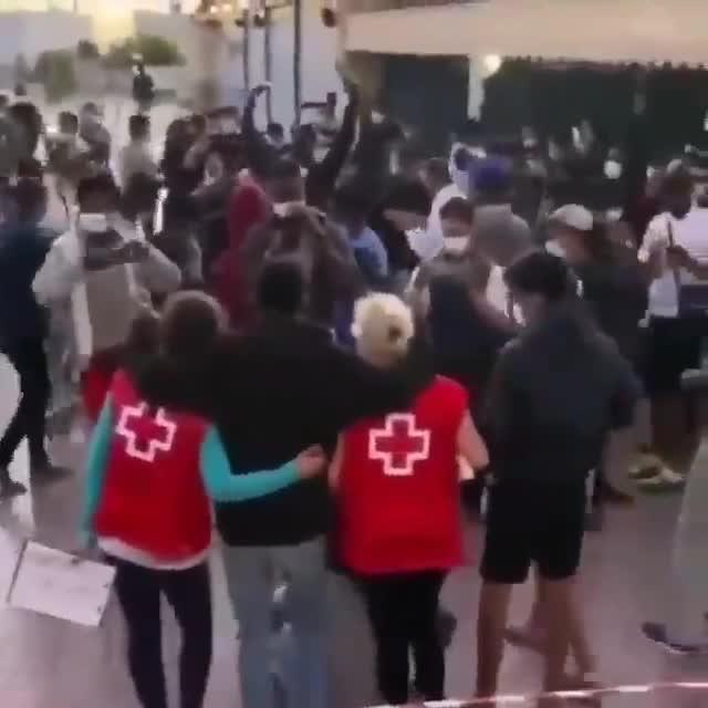 Cruz Roja pide disculpas por la fiesta con migrantes realizada en Canarias