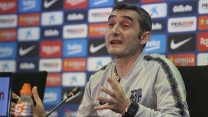 Ernesto Valverde, durante una rueda de prensa en la Ciudad Deportiva Joan Gamper del FC Barcelona
