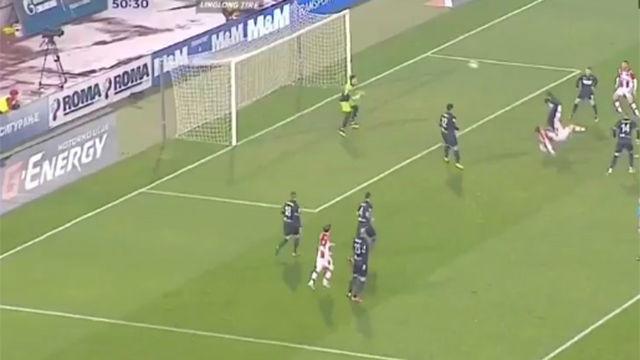 El Estrella Roja necesitaba un gol... ¡y Tomané lo marcó con una chilena perfecta!