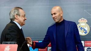 Florentino ha tenido que ponerse en manos de Zidane para salvar su cabeza