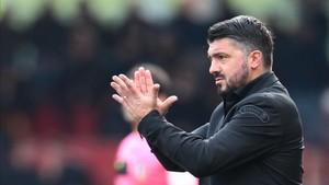Gattuso debutó en el banquillo del Milan