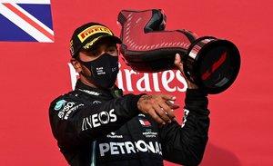 Hamilton , ya campeón, no podrá correr en Sakhir por su positivo