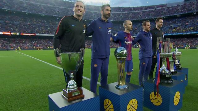 LALIGA | FC Barcelona - Villarreal (5-1): El Barça ofrece las cinco Copas del Rey a la afición en el Camp Nou