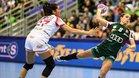 Lara González defiende un ataque húngaro