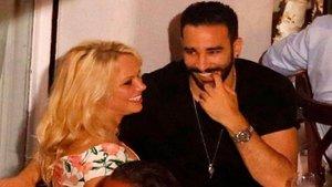 Pamela Anderson y Adil Rami tendrían planes de boda para el 2019 |Tabasco Hoy