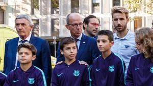 El vicepresidente Cardoner (centro) junto a Pesic y Samper en la ofrenda de la Diada de Catalunya