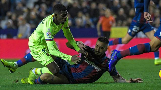 Cabaco vio la roja directa por una dura y peligrosa entrada a Dembélé