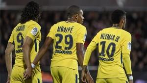 Cavani, Mbappé y Neymar no tuvieron piedad del Metz